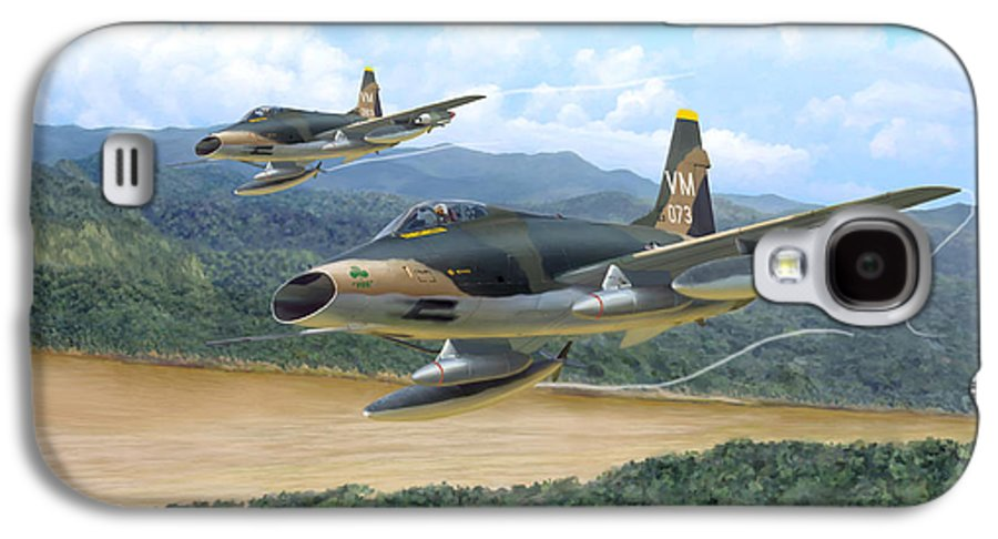 Aviation Galaxy S4 Case featuring the painting The Hun - F-100 Super Sabres In Vietnam by Mark Karvon