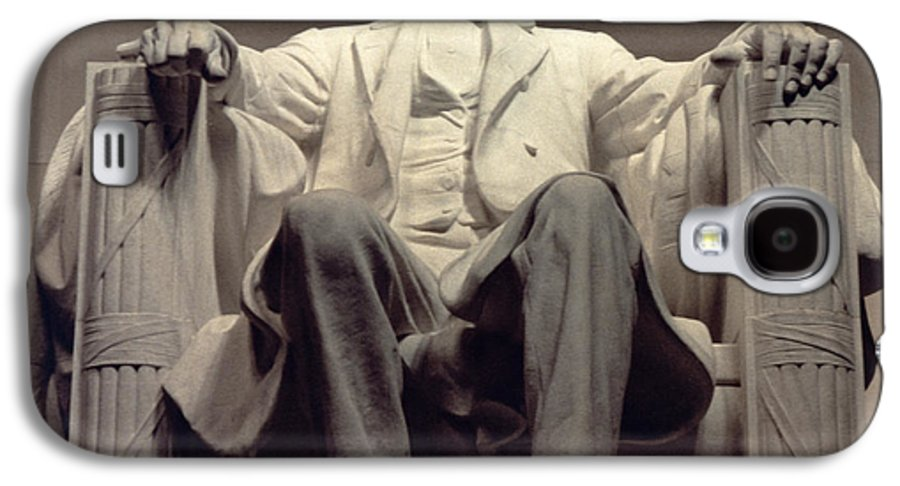 Statesman Galaxy S4 Case featuring the sculpture The Lincoln Memorial by Daniel Chester French
