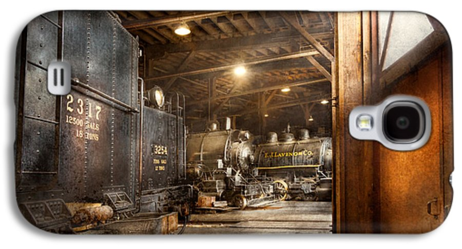 Self Galaxy S4 Case featuring the photograph Train - Ready In The Roundhouse by Mike Savad