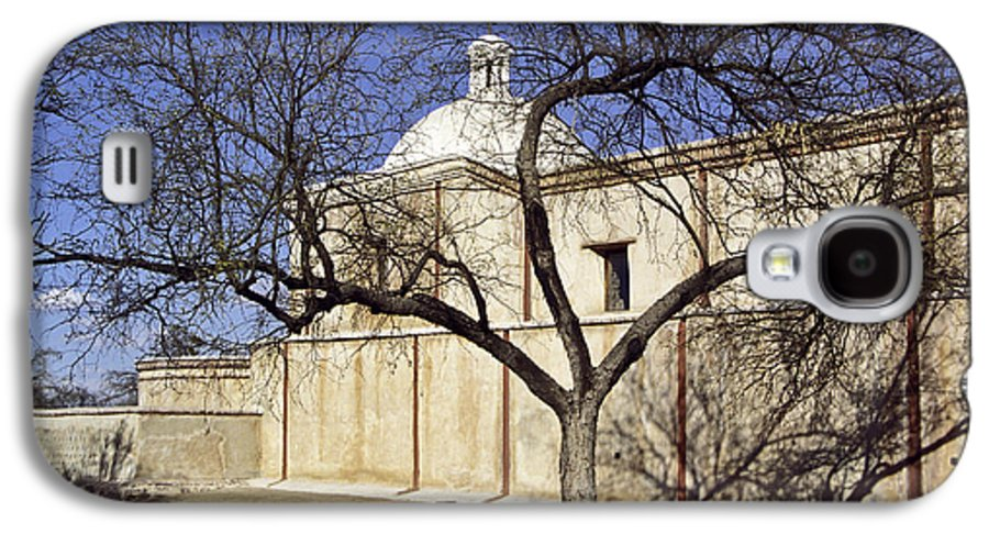 Mission Galaxy S4 Case featuring the photograph Tumacacori With Tree by Kathy McClure