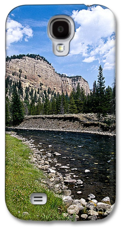 Landscape Galaxy S4 Case featuring the photograph Upriver In Washake Wilderness by Kathy McClure