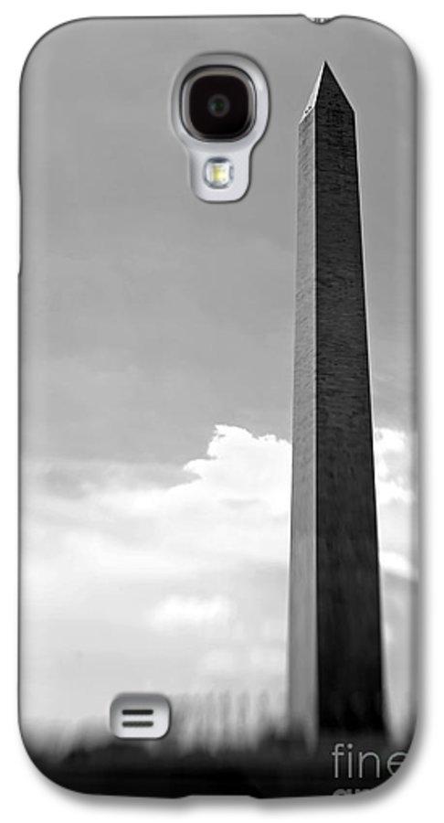 Washington Galaxy S4 Case featuring the photograph Washington Monument by Tony Cordoza