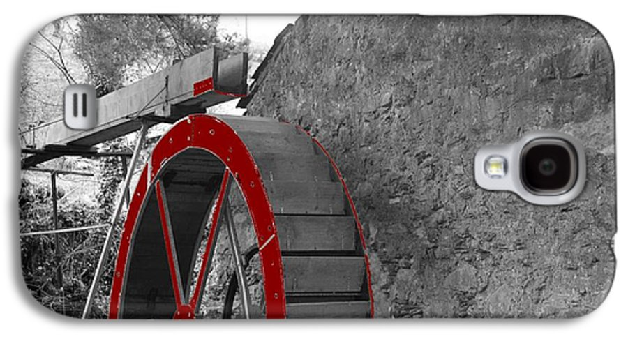 Water Galaxy S4 Case featuring the photograph Water Wheel. by Christopher Rowlands