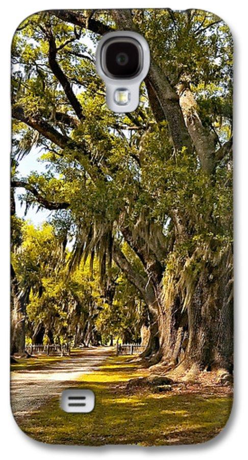 Evergreen Plantation Galaxy S4 Case featuring the photograph A Stroll Through Time by Steve Harrington