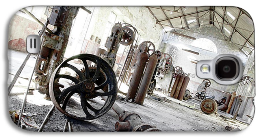 Abandoned Galaxy S4 Case featuring the photograph Abandoned Factory by Carlos Caetano