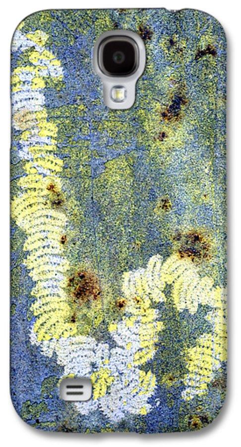 Alga Galaxy S4 Case featuring the photograph Algae by Dr Keith Wheeler