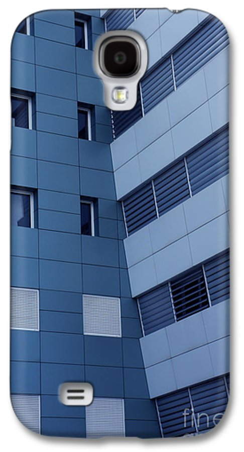 Abstract Galaxy S4 Case featuring the photograph Office Building by Carlos Caetano