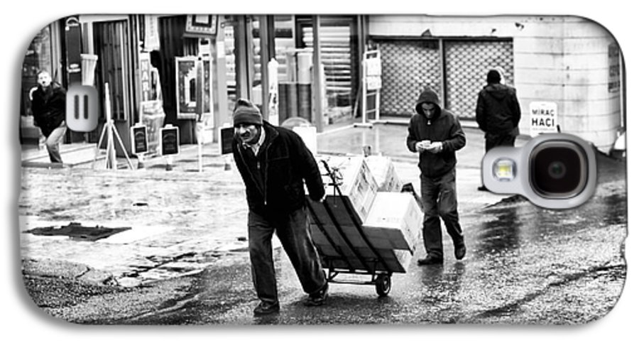 Working In Istanbul Galaxy S4 Case featuring the photograph Working In Istanbul by John Rizzuto