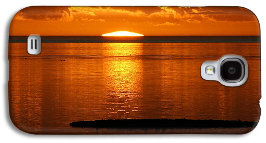 Sunset Galaxy S4 Case featuring the photograph Looking For The Green Flash by Debbie May