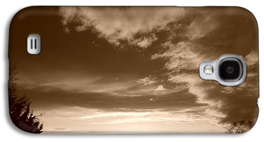 Sunset Galaxy S4 Case featuring the photograph Sunset And Clouds by Rob Hans
