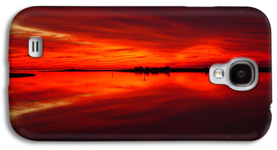 Sunset Galaxy S4 Case featuring the photograph A Sunset Kiss -debbie-may by Debbie May