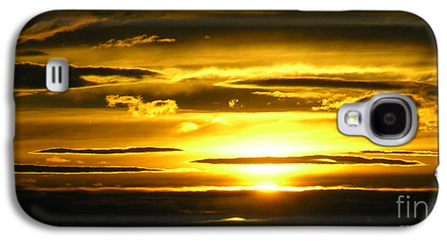 Sunset Galaxy S4 Case featuring the photograph Alaskan Sunset by Louise Magno