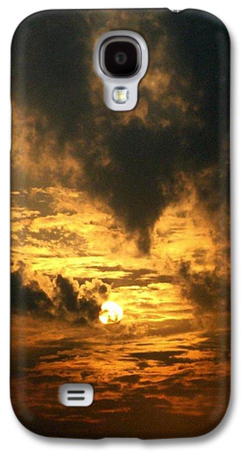 Daybreak Galaxy S4 Case featuring the photograph Alter Daybreak by Rhonda Barrett