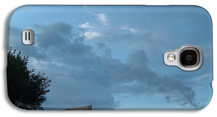 Sky Galaxy S4 Case featuring the photograph Atmospheric Barcode 19 7 2008 18 Or Titan by Donald Burroughs