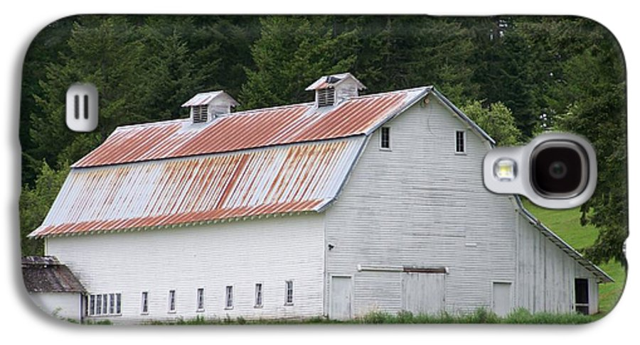 White Galaxy S4 Case featuring the photograph Big White Old Barn With Rusty Roof Washington State by Laurie Kidd