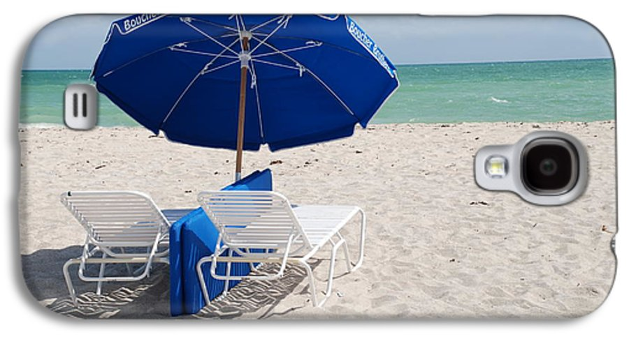 Sea Scape Galaxy S4 Case featuring the photograph Blue Paradise Umbrella by Rob Hans