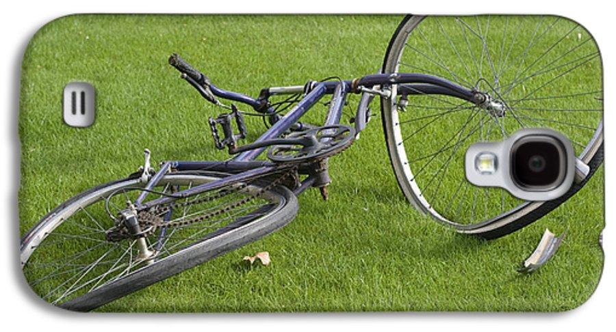 Wheel Galaxy S4 Case featuring the photograph Broken Bicycle by Carl Purcell