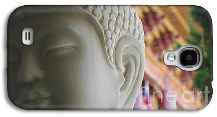 Zen Galaxy S4 Case featuring the photograph Buddha At Hsi Lai Temple by Michael Ziegler
