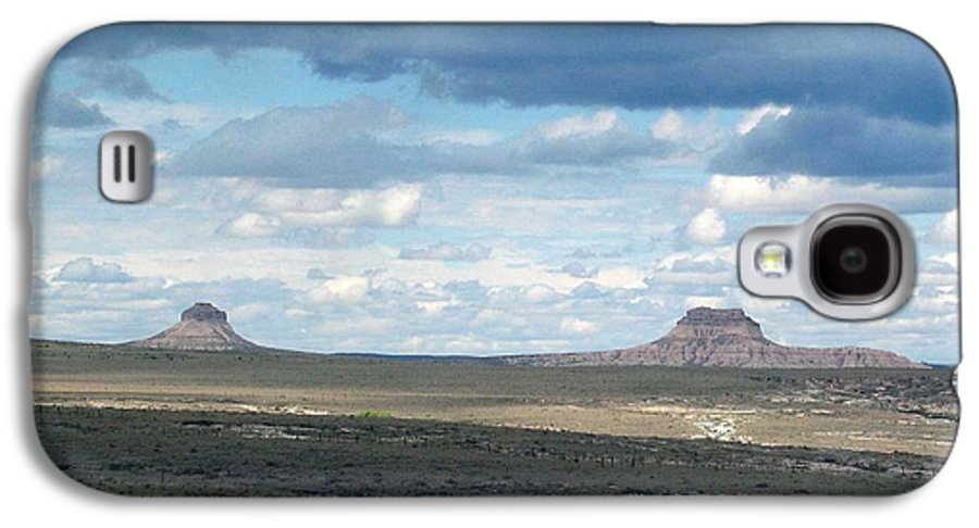 Big Sky Galaxy S4 Case featuring the photograph Buttes by Margaret Fortunato