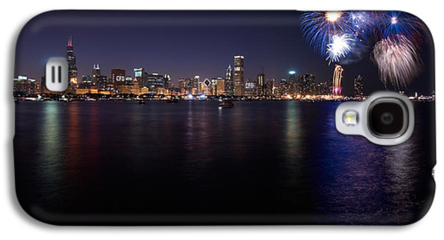 4th Galaxy S4 Case featuring the photograph Chicago Lakefront Skyline Poster by Steve Gadomski