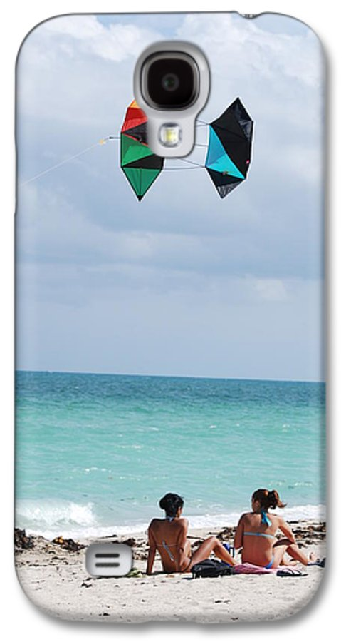 Sea Scape Galaxy S4 Case featuring the photograph Close Encounters by Rob Hans