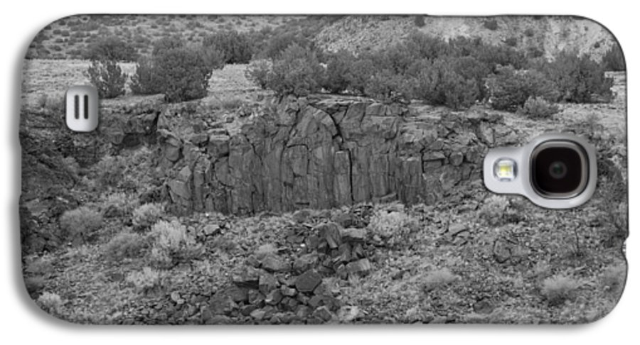 Rocks Galaxy S4 Case featuring the photograph Cochiti Rocks by Rob Hans