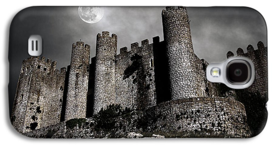 Ancient Galaxy S4 Case featuring the photograph Dark Castle by Carlos Caetano
