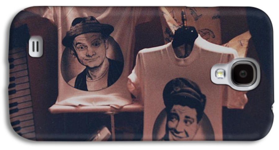 The Honeymooners Galaxy S4 Case featuring the photograph Ed And Ralphie Boy by Rob Hans