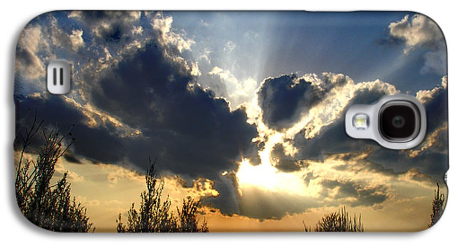 Landscape Galaxy S4 Case featuring the photograph Evening Sky by Steve Karol