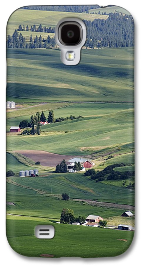 Fertile Galaxy S4 Case featuring the photograph Farmland In Eastern Washington State by Carl Purcell
