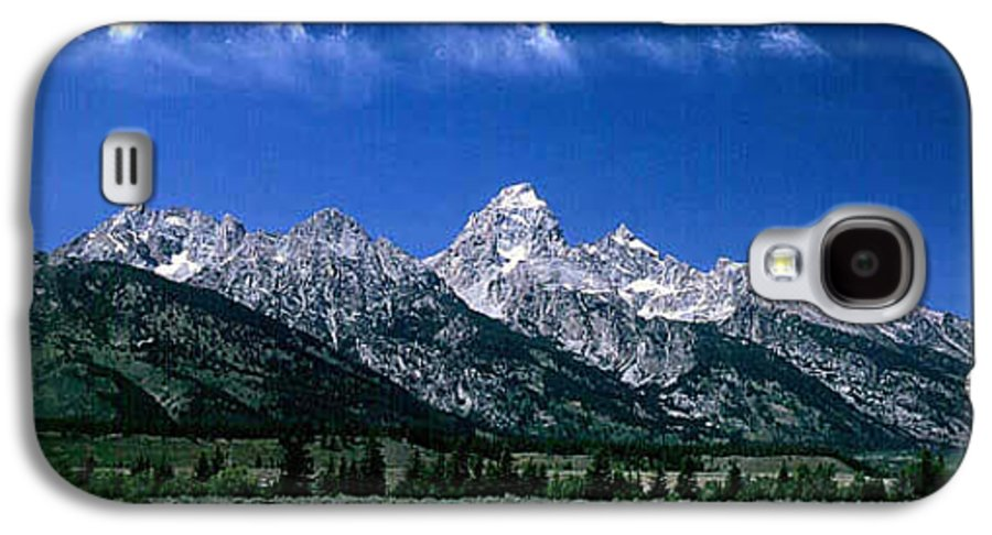 Mountains Galaxy S4 Case featuring the photograph First View Of Tetons by Kathy McClure