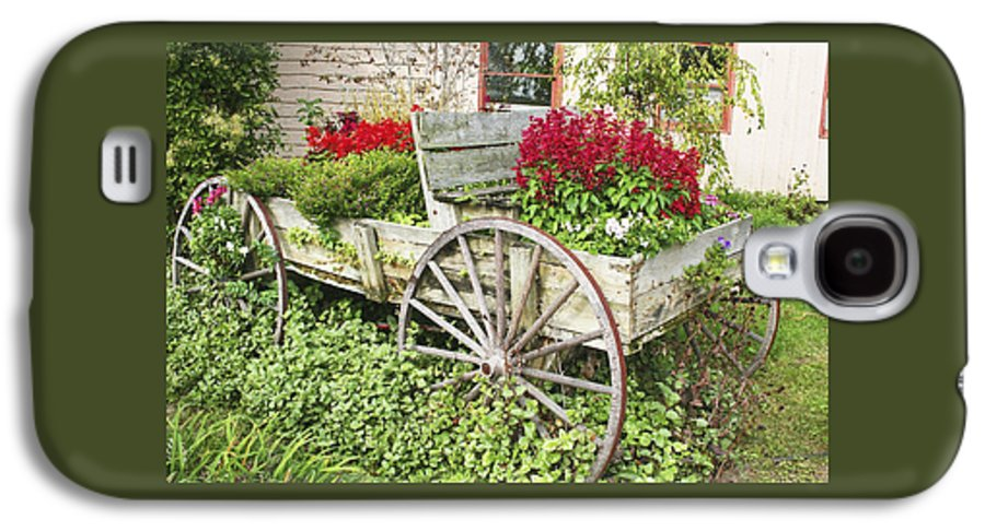 Wagon Galaxy S4 Case featuring the photograph Flower Wagon by Margie Wildblood