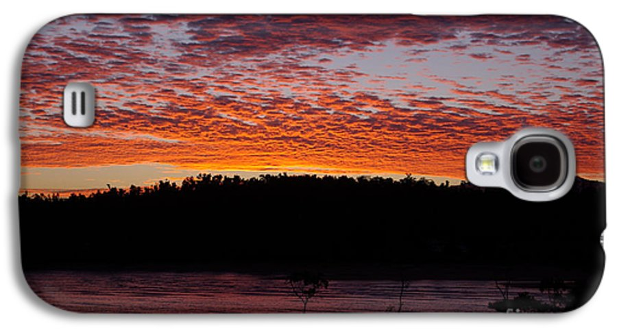 Landscape Galaxy S4 Case featuring the photograph Four Elements Sunset Sequence 2 Coconuts Qld by Kerryn Madsen - Pietsch