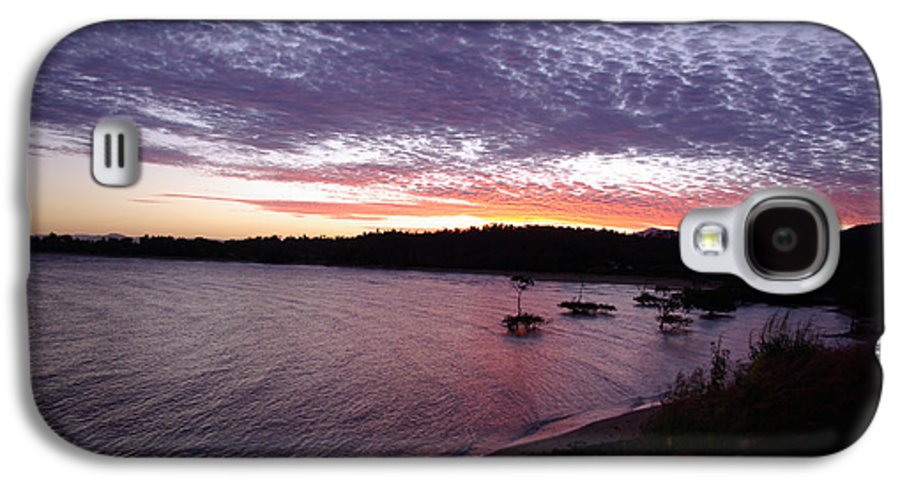 Landscape Galaxy S4 Case featuring the photograph Four Elements Sunset Sequence 6 Coconuts Qld by Kerryn Madsen-Pietsch