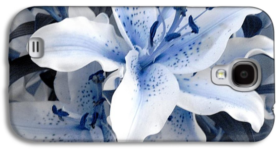 Blue Galaxy S4 Case featuring the photograph Freeze by Shelley Jones