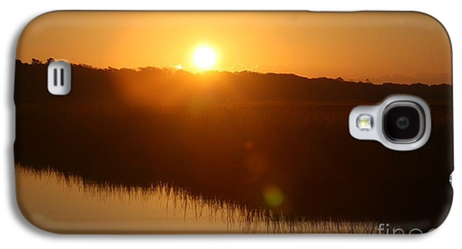 Glow Galaxy S4 Case featuring the photograph Gold Morning by Nadine Rippelmeyer