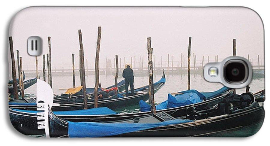Landscape Galaxy S4 Case featuring the photograph Gondolas by Kathy Schumann