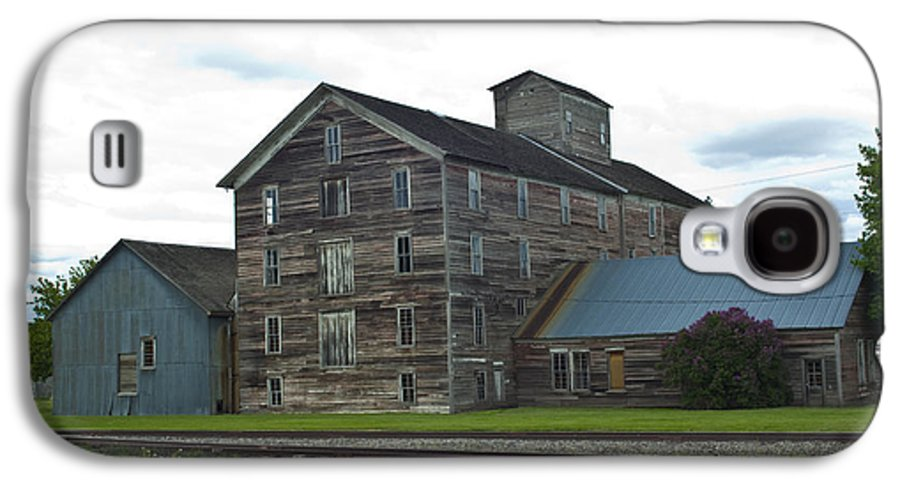 Historical Galaxy S4 Case featuring the photograph Historical Barron Wheat Flour Mill In Oakesdale Wa by Louise Magno