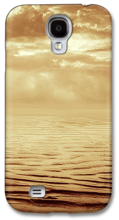 Dipasquale Galaxy S4 Case featuring the photograph Illusion Never Changed Into Something Real by Dana DiPasquale