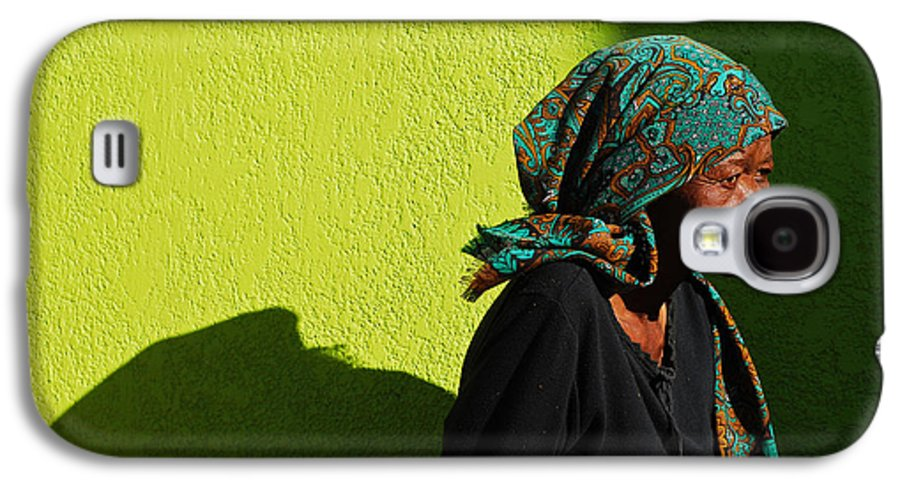 Africa Galaxy S4 Case featuring the photograph Lady In Green by Skip Hunt