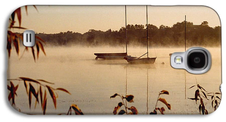 Landscape Galaxy S4 Case featuring the photograph Lake Calhoun by Kathy Schumann