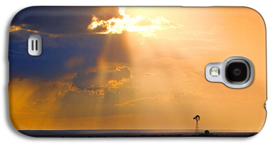 Skip Hunt Galaxy S4 Case featuring the photograph Marfa Windmill 1 by Skip Hunt
