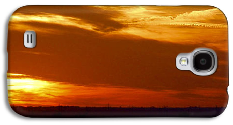 Landscape Galaxy S4 Case featuring the photograph Oklahoma Sunset by Larry Keahey