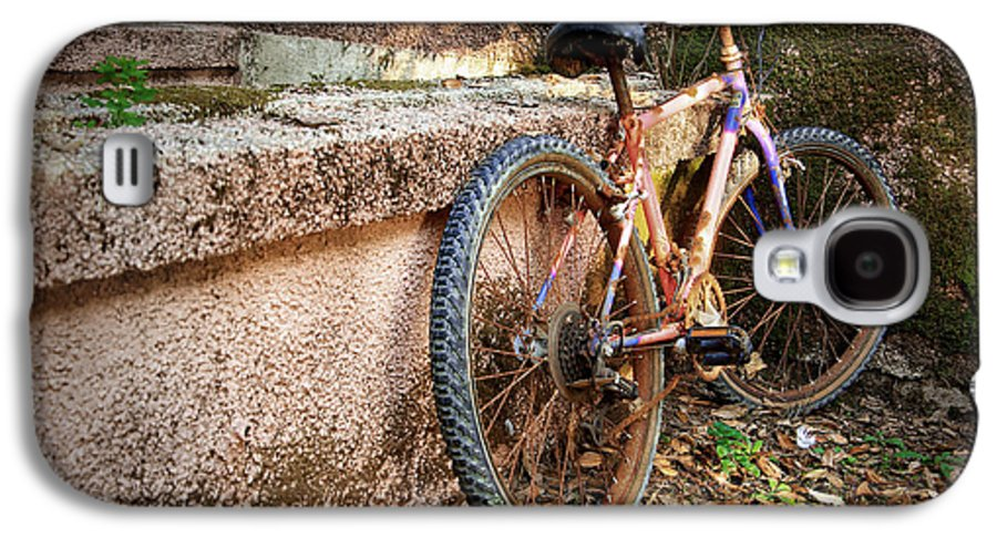 Bicycle Galaxy S4 Case featuring the photograph Old Bycicle by Carlos Caetano