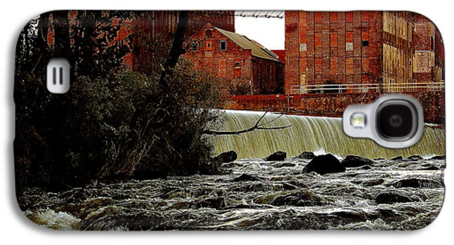 Water Galaxy S4 Case featuring the photograph Old River Dam In Columbus Georgia by Ruben Flanagan