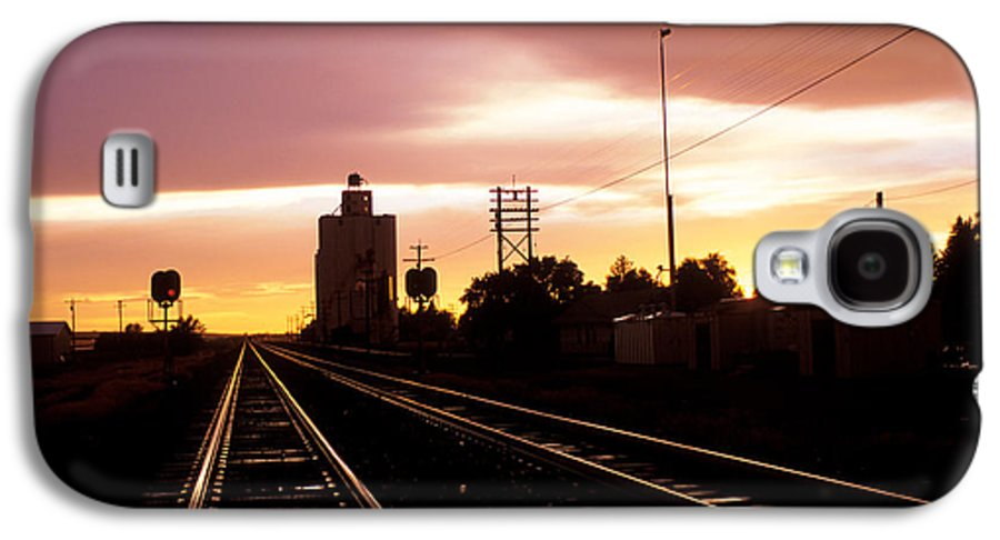 Potter Galaxy S4 Case featuring the photograph Potter Tracks by Jerry McElroy