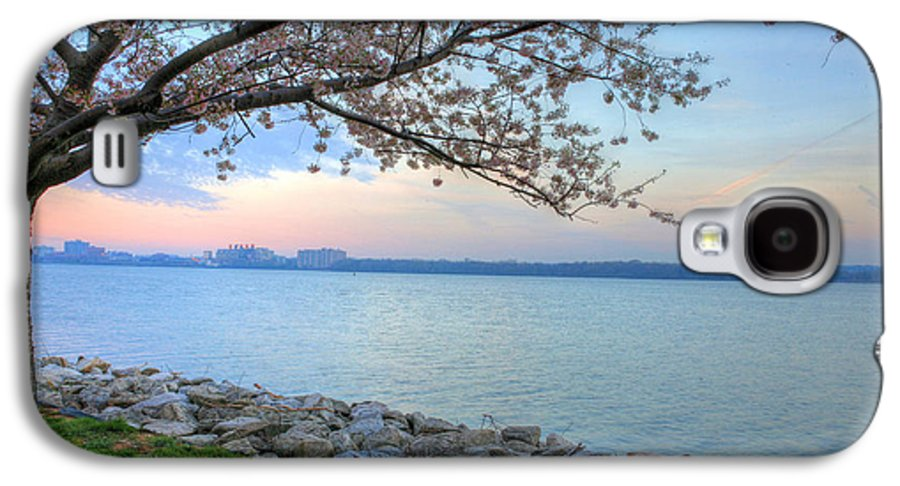 Cherry Blossoms Blossom Washington Dc Potomac River Sunrise Sunset Joint Base Anacostia Bolling Afb Alexandria Va Virginia Galaxy S4 Case featuring the photograph Pretty Potomac by JC Findley