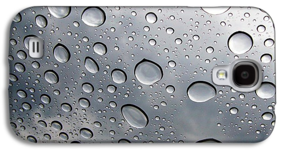 Rain Galaxy S4 Case featuring the photograph Raindrops by Kenna Westerman