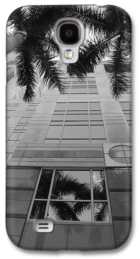 Architecture Galaxy S4 Case featuring the photograph Reflections On The Building by Rob Hans
