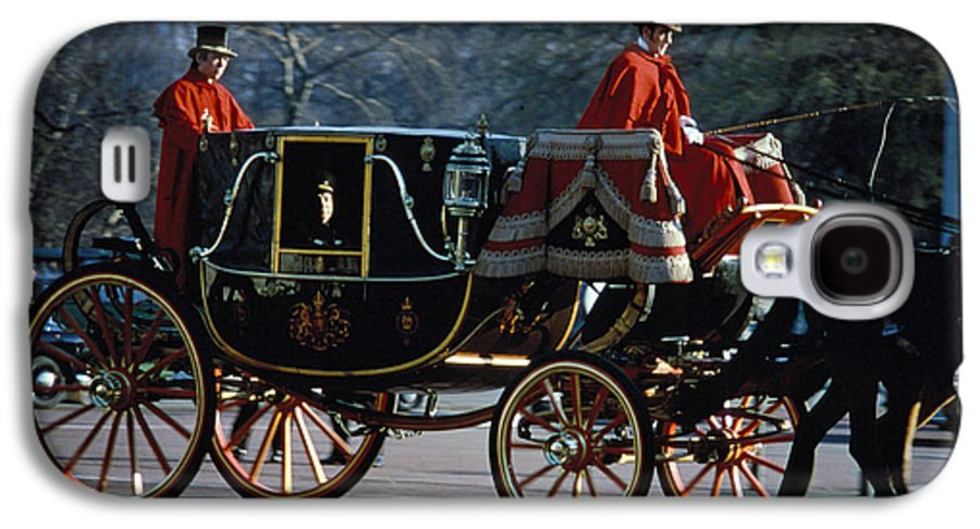 Coach Galaxy S4 Case featuring the photograph Royal Carriage In London by Carl Purcell